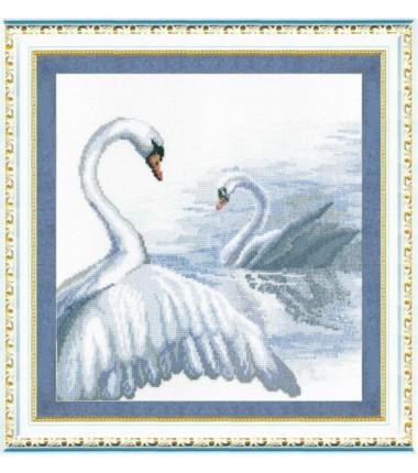 """Набор для вышивки крестиком Чарівна Мить """"Лебеди"""""""